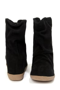 Steve Madden Headlne Black Suede Slouchy Wedge Boots at Lulus.com!