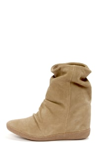 Steve Madden Headlne Taupe Suede Slouchy Wedge Boots at Lulus.com!
