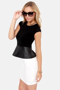 For Bold Time's Snake Black Top at Lulus.com!