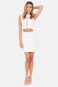 Caught in the Middle Sleeveless Ivory Crop Top at Lulus.com!