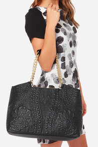 Big Buddha Jodi Black Handbag at Lulus.com!