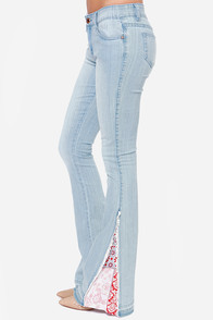 White Crow Indie Light Wash Flare Jeans at Lulus.com!