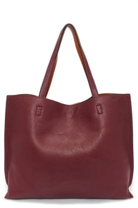 LULUS Exclusive Switch it Up Reversible Burgundy Tote at Lulus.com!