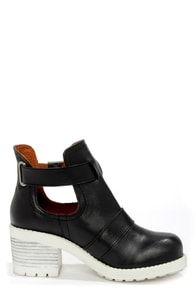 Sixtyseven Tyler 75821 Floater Black and White Ankle Boots at Lulus.com!