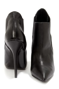 Steve Madden Devil Black Leather Pointed Toe High Heel Booties at Lulus.com!