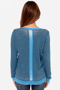 Chaser Gold 37 Vintage Blue Print Long Sleeve Top at Lulus.com!