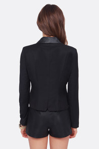 BB Dakota by Jack Heiner Cropped Black Blazer at Lulus.com!