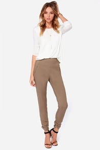 At First Glance Brown Cropped Pants at Lulus.com!