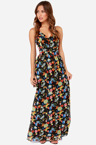 LULUS Exclusive Rooftop Garden Backless Black Floral Maxi Dress at Lulus.com!