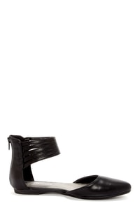 CL by Laundry Blair Black Strappy Ankle Cuff Pointed Flats at Lulus.com!