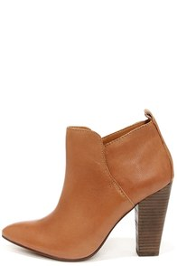 Steve Madden Jammie Natural Leather High Heel Ankle Boots at Lulus.com!