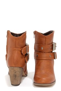 Mixx Shuz Chris 02 Tan Buckled Ankle Boots at Lulus.com!