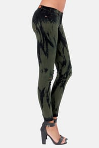 Dittos Jessica Low Rise Black Olive Tie Dye Jeggings at Lulus.com!