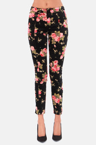 Flourished Assured Black Floral Print Pants at Lulus.com!