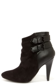 Pointed View Black Pointed Toe Booties at Lulus.com!