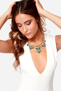 Hath No Fleur-y Green Rhinestone Statement Necklace at Lulus.com!