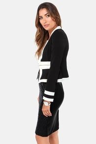 Set the Two-Tone Ivory and Black Blazer at Lulus.com!