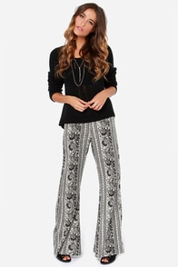 Billabong Night Sessions Black and White Print Pants at Lulus.com!
