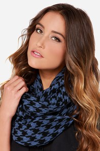 Young and Restless Blue Houndstooth Infinity Scarf at Lulus.com!