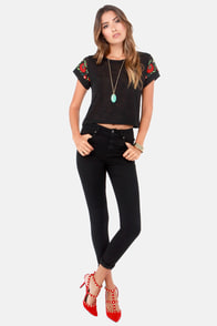 Ring My Embellishments Embroidered Black Tee at Lulus.com!