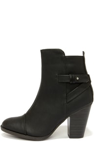 Swoon Walker Black High Heel Ankle Boots at Lulus.com!