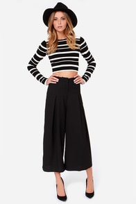 Dapper Dame Black Culottes at Lulus.com!