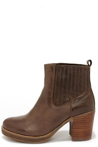 MTNG 93522 Bree Rustico Mocha Brown Leather Ankle Boots at Lulus.com!