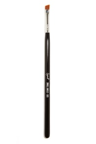 Sigma E65 Small Angle Brush at Lulus.com!