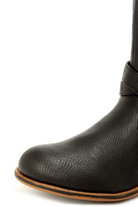Bamboo Parksville 21 Black Belted Riding Boots at Lulus.com!