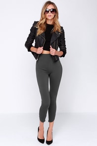 Fit to Kill Cropped Grey Leggings at Lulus.com!