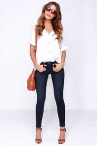 Dittos Selena Dark Wash Mid Rise Skinny Jeans at Lulus.com!