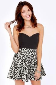 Short Fuse Black Bustier Top at Lulus.com!