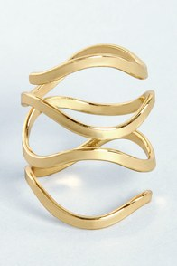 Catch a Wave Gold Ring at Lulus.com!