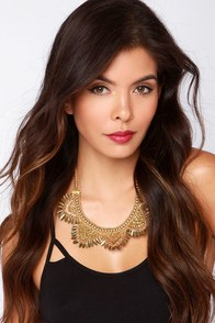LULUS Exclusive Treasure the Moment Gold Statement Necklace at Lulus.com!