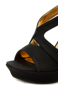 Mona Mia Merce Black Strappy Platform Wedges at Lulus.com!