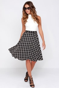Crosshatch My Heart Black and Ivory Grid Print Midi Skirt at Lulus.com!