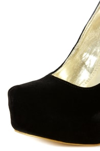 Speed Limit 98 Vivian Black Curvy Platform Pumps at Lulus.com!