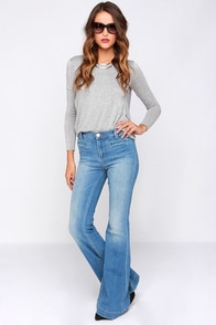 Dittos Amy Light Wash High Rise Flare Jeans at Lulus.com!
