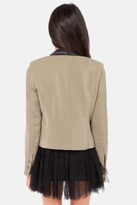 Black Swan Jackie Taupe Cropped Blazer at Lulus.com!