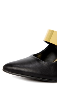 Anne Michelle Momentum 45 Black and Gold Pointed Pumps at Lulus.com!