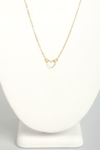 Little Shop of Amours Gold Heart Necklace at Lulus.com!
