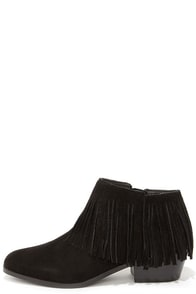 Steve Madden Patzee Black Suede Leather Fringe Booties at Lulus.com!