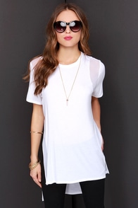 Dee Elle More Than it Seems Oversized Ivory Tee at Lulus.com!