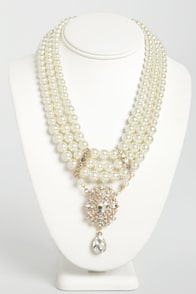 Pearled Traveler Pearl Necklace at Lulus.com!