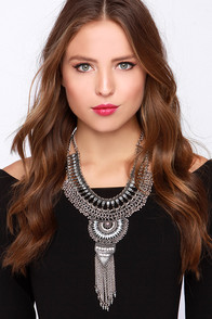 Cirque de Chic Silver Statement Necklace at Lulus.com!