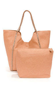 Down the Chain Peach Tote at Lulus.com!