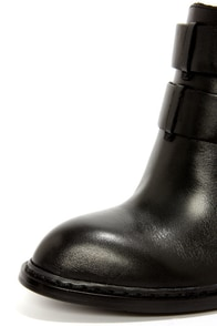 Chinese Laundry Gadget Black Leather Buckled High Heel Booties at Lulus.com!