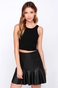 Tip-Top Shape Black Crop Top at Lulus.com!