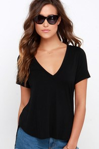 Oh V Oh My Black V Neck Tee at Lulus.com!