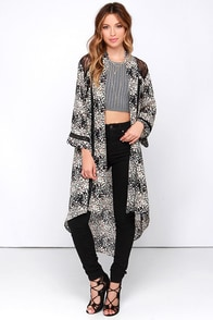 Kimon-Over Black Floral Print Kimono Top at Lulus.com!